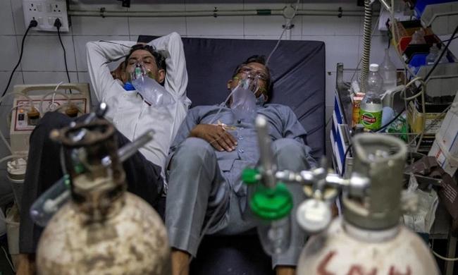 """Tiếng cầu cứu tuyệt vọng giữa """"tâm chấn"""" từ bác sĩ và người dân Ấn Độ: 2 tuần nữa mới là địa ngục thật sự, làm ơn hãy gửi oxy đến ! - Ảnh 1."""