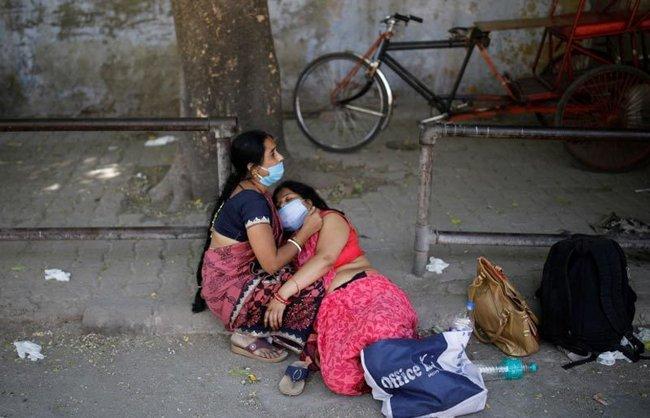 """Tiếng cầu cứu tuyệt vọng giữa """"tâm chấn"""" từ bác sĩ và người dân Ấn Độ: 2 tuần nữa mới là địa ngục thật sự, làm ơn hãy gửi oxy đến ! - Ảnh 3."""