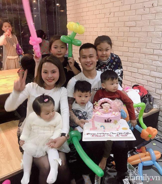 Mẹ trẻ 27 tuổi đẻ 5 con san sát: Áp lực đủ đường, đau bụng mà không dám đi đẻ vì còn sốt ruột con ốm ở nhà - Ảnh 8.