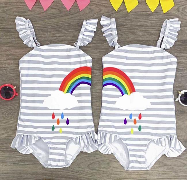 Bé Suchin nhà Cường Đô La mới 9 tháng tuổi đã cực sành điệu, được mẹ sắm cả bộ sưu tập áo bơi đi biển nhìn mà mê - Ảnh 13.