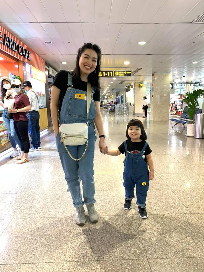 Diễn viên Lê Khánh cho con trai để tóc dài như con gái, ai hỏi giới tính của bé đều đưa ra câu trả lời ngã ngửa - Ảnh 3.
