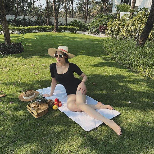 Á hậu Tú Anh bật mí loạt đồ đi biển mua trên Shopee: Hàng đẹp như hình, còn đang giảm gần 50% - Ảnh 4.