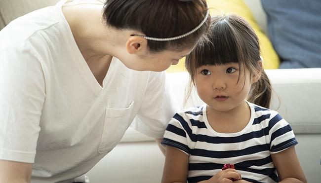Nếu có 4 biểu hiện bất thường về cảm xúc này, bé có khả năng rơi vào trầm cảm nhưng đa số cha mẹ vẫn coi nhẹ  - Ảnh 2.