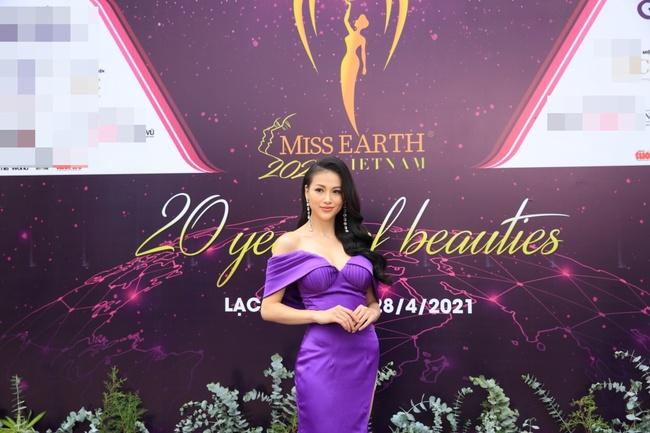 """Miss Earth Vietnam: Hoa hậu Phương Khánh lên đồ chặt chém, Nam Em """"lọt thỏm"""" và nhợt nhạt giữa dàn mỹ nhân - Ảnh 3."""