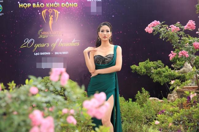 """Miss Earth Vietnam: Hoa hậu Phương Khánh lên đồ chặt chém, Nam Em """"lọt thỏm"""" và nhợt nhạt giữa dàn mỹ nhân - Ảnh 9."""