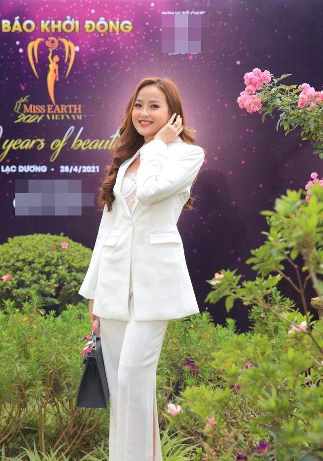 """Miss Earth Vietnam: Hoa hậu Phương Khánh lên đồ chặt chém, Nam Em """"lọt thỏm"""" và nhợt nhạt giữa dàn mỹ nhân - Ảnh 7."""