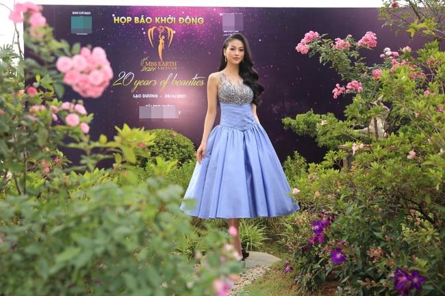 """Miss Earth Vietnam: Hoa hậu Phương Khánh lên đồ chặt chém, Nam Em """"lọt thỏm"""" và nhợt nhạt giữa dàn mỹ nhân - Ảnh 4."""