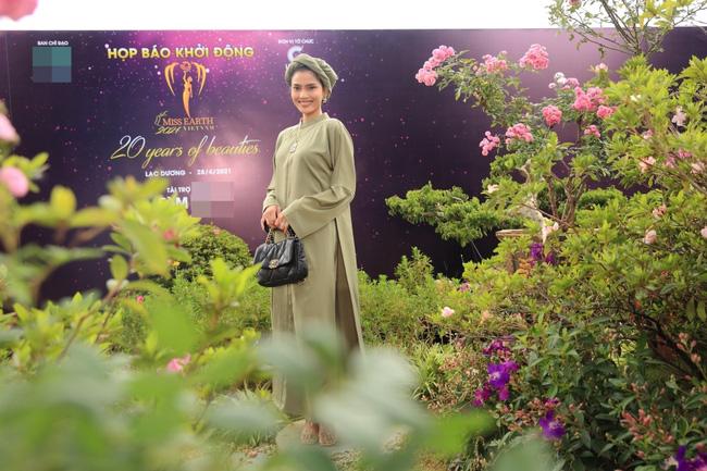 """Miss Earth Vietnam: Hoa hậu Phương Khánh lên đồ chặt chém, Nam Em """"lọt thỏm"""" và nhợt nhạt giữa dàn mỹ nhân - Ảnh 10."""