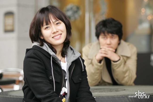 """Thêm một bộ phim của Son Ye Jin hot trở lại sau 15 năm, fan xem lại phải trầm trồ vì đôi mắt to, khuôn mặt tròn xoe của """"chị đẹp"""" - Ảnh 7."""