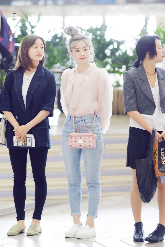"""Xem hội mỹ nhân """"chân không dài"""" mặc quần jeans mà học được 10 outfit chuẩn mốt, hack được vài phân chiều cao - Ảnh 6."""