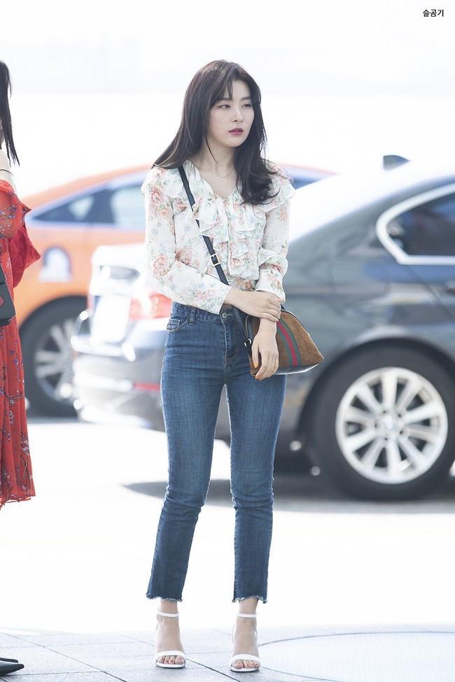 """Xem hội mỹ nhân """"chân không dài"""" mặc quần jeans mà học được 10 outfit chuẩn mốt, hack được vài phân chiều cao - Ảnh 5."""