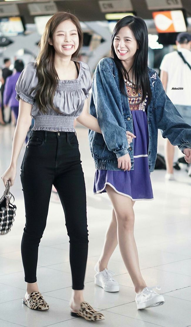 Jennie mặc quần dài - Ảnh 8.