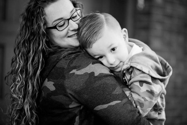 Người mẹ nổi tiếng bất đắc dĩ với cảnh phê pha trong xe khi con trai ngồi ở ghế sau nhưng nhờ đó mà cuộc đời hai mẹ con thay đổi ngoạn mục - Ảnh 6.