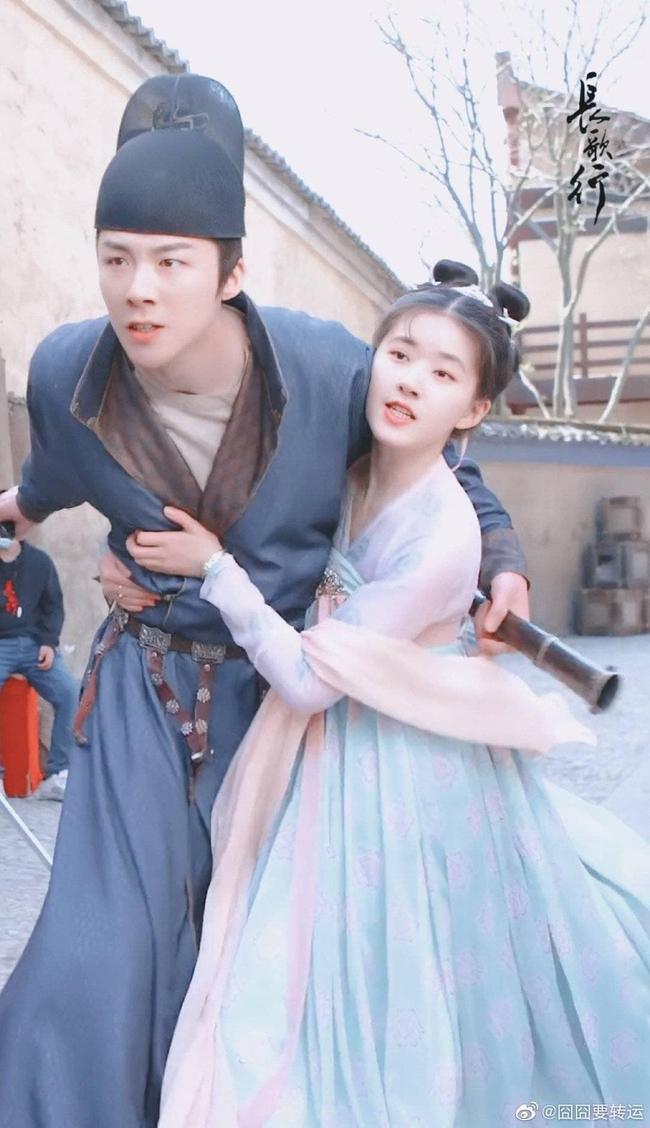Trường Ca Hành: Hết Địch Lệ Nhiệt Ba đến Triệu Lộ Tư bị chê cười, netizen mắng công chúa mà mặc như người hầu - Ảnh 7.