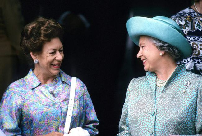 Nữ hoàng Anh hết lần này đến lần khác nhân nhượng và bỏ qua cho Harry dù bị cháu trai phản bội, hóa ra xuất phát từ một lý do đau lòng - Ảnh 1.