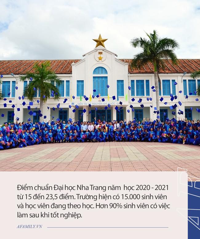 Ngôi trường có khuôn viên đẹp nhất Việt Nam, 4 mùa hoa nở, sinh viên đi học mà cứ ngỡ lạc vào resort - Ảnh 5.