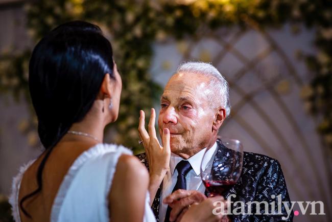 """Cô gái Việt chia tay chồng sắp cưới tỷ phú Mỹ 72 tuổi, tiết lộ về chuyện liên quan đến một người phụ nữ khác và tuyên bố: """"Nếu yêu anh ấy vì tiền, không ai ngu mà bỏ"""" - Ảnh 4."""