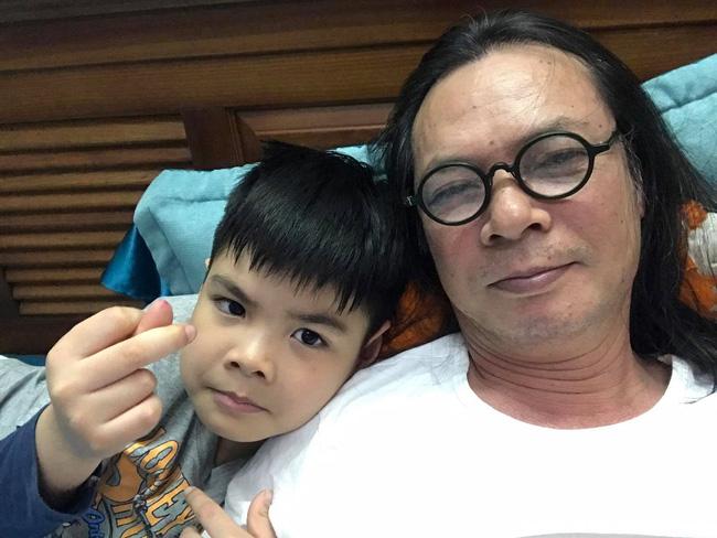 """""""Mầm non giải trí"""" nhà đạo diễn Trần Lực: Tính cách lầy lội còn hơn cả anh trai Trần Bờm, cách được bố dạy lại càng bất ngờ - Ảnh 2."""