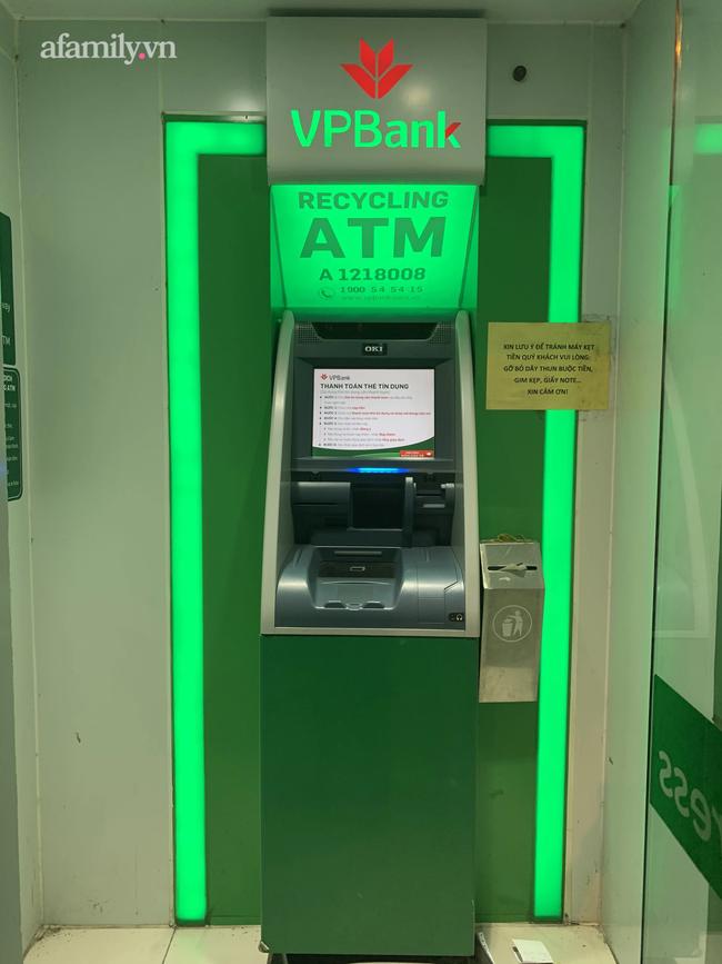 Vụ khách hàng tố bị máy CDM của VPBank nuốt tiền nhưng không trả đủ: Làm gì khi ngân hàng không kiểm tra CDM ngay? - Ảnh 4.