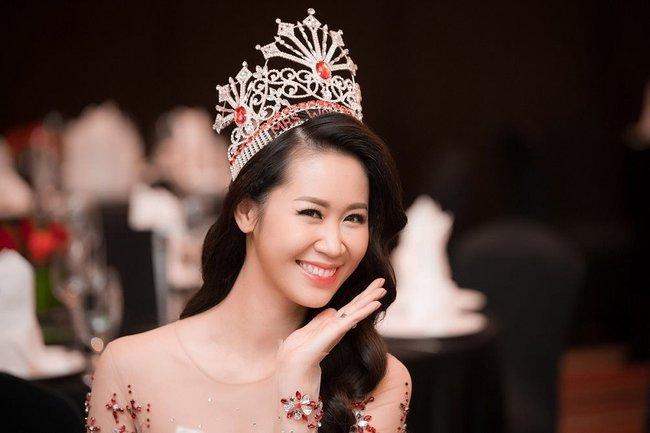 """Đâu chỉ """"kẻ thù của Ngọc Trinh"""", showbiz Việt còn có """"chị đại"""" khác với học vấn cực đỉnh, gia đình toàn tầng lớp trí thức - Ảnh 2."""