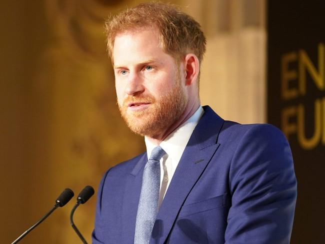 """Harry đang khiến nhân viên cung điện khiếp sợ, Meghan tiết lộ tham vọng lớn nhất, hoàng gia Anh chỉ là """"nước cờ"""" trong tay nữ công tước - Ảnh 1."""