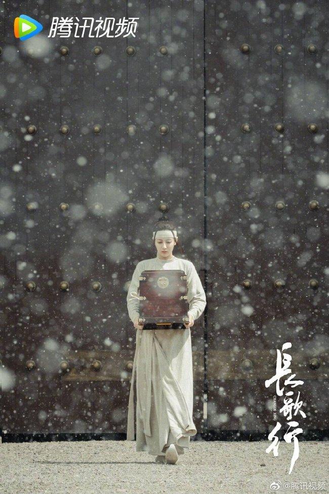 Trường Ca Hành: Chê Địch Lệ Nhiệt Ba già xấu, đến khi thấy hình ảnh dị vực đẹp mê mẩn này netizen có hối hận?  - Ảnh 3.