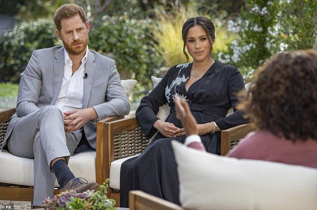 """Kẻ thù """"không đội trời chung"""" của Meghan lên sóng truyền hình vạch trần bản chất xấu xa của nhà Sussex cùng những lời nói dối trắng trợn - Ảnh 2."""