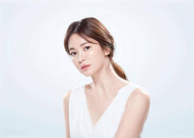 """Song Hye Kyo """"đáp trả"""" khi bị réo gọi vì cảnh hôn của Song Joong Ki với """"người mới"""", fan vẫn lo lắng điều này - Ảnh 5."""