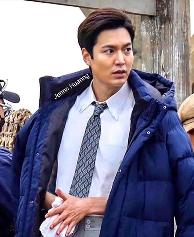Lee Min Ho gây sốc với khuôn mặt bê bết máu, tóc tai bù xù nhưng lại khiến fan rần rần nhờ chi tiết này - Ảnh 6.
