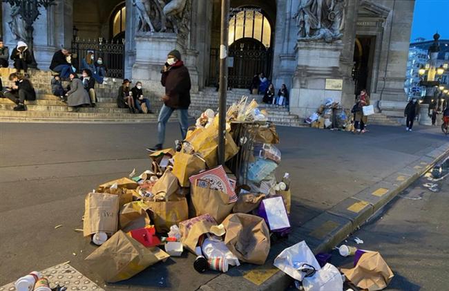 """Những hình ảnh gây sốc cho thấy thành phố Paris hoa lệ """"ngập trong rác"""" khiến cộng đồng mạng thất vọng tràn trề, thực hư ra sao? - Ảnh 9."""
