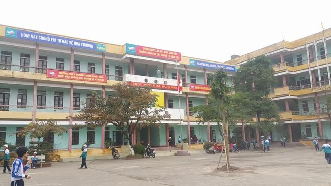TP Nam Định: Phụ huynh nêu ý kiến về việc con bị cắt tóc ở trường - Ảnh 1.