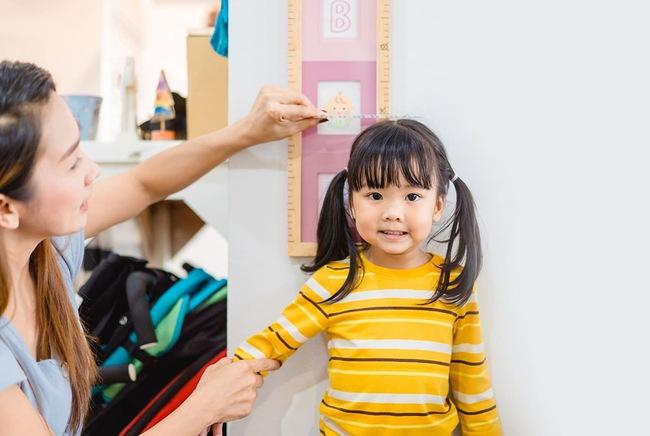 Bé gái 9 tuổi có kinh nguyệt, nhiều em dậy thì sớm, đến khi bố mẹ phát hiện thì đã quá muộn - Ảnh 2.