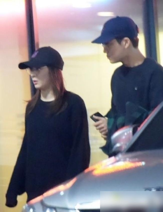 Soi style đi hẹn hò của 12 cặp đôi quyền lực xứ Hàn: Tất cả đều ăn vận siêu đơn giản chứ không lồng lộn như ta tưởng - Ảnh 13.
