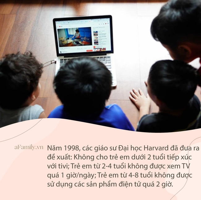 Tưởng cho con xem tivi sẽ giúp bố mẹ nhàn hơn nhưng nhìn vào 3 khác biệt vô cùng lớn giữa trẻ xem và không xem tivi khi trưởng thành, bố mẹ chỉ muốn vứt bỏ tivi ngay lập tức - Ảnh 1.