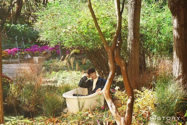 """Bị chê già nua xuống sắc ở tuổi 36, Song Joong Ki bất ngờ hóa """"chàng thơ"""" khoe vẻ ngoài điển trai - Ảnh 1."""