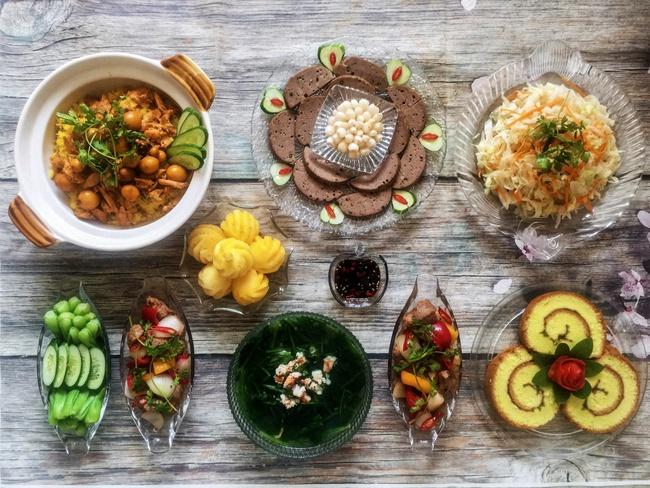 Thực đơn 8 món hoành tráng hơn nhà hàng, lễ cần gì đi đâu khi đồ ăn trong nhà sang xịn mịn cỡ này! - Ảnh 1.
