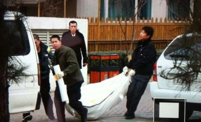 Tỷ phú chứng khoán Trung Quốc và hôn nhân bi kịch: Vợ trẻ kém 18 tuổi dùng cách cực thâm hiểm dụ dỗ chồng phản bội và cú ra tay kinh hoàng kết liễu tất cả - Ảnh 6.
