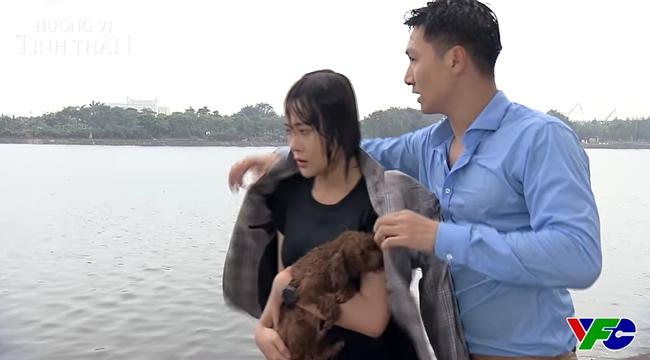 """Hương vị tình thân: Mạnh Trường đang chia tay bạn gái thì gặp Phương Oanh """"tự tử"""", duyên nợ thế là cùng! - Ảnh 2."""