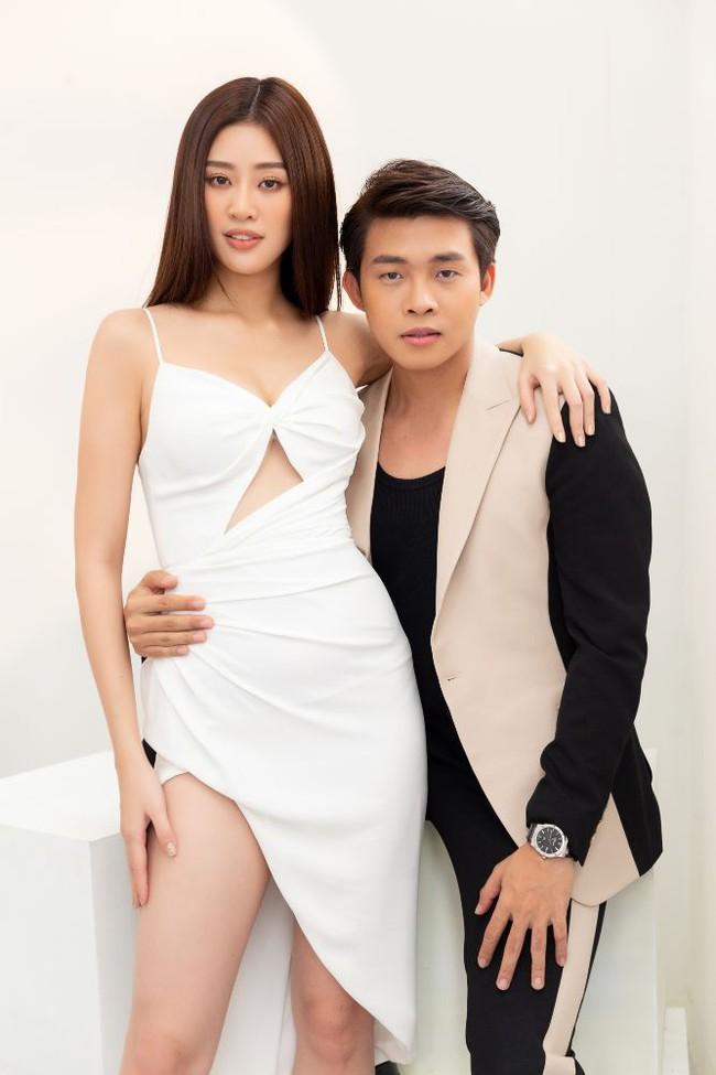"""Stylist hé lộ bí mật ẩn sâu trong bộ đầm """"Hoa Súng"""" kiệm vải nhất Miss Universe của Khánh Vân: Chi tiết rất nhỏ nhưng lại là một sự tính toán kỳ công - Ảnh 8."""