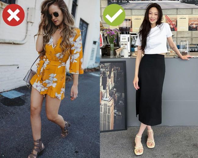 """4 kiểu giày dép cứ mix với váy là hỏng cả set đồ, vóc dáng cũng bị dìm cực """"thảm"""" - Ảnh 2."""