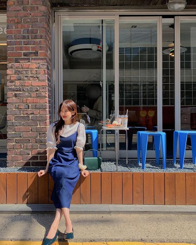 Để biết thế nào là diện váy hai dây xịn đẹp level cao nhất, chị em hãy ngắm 12 set đồ của gái Hàn - Ảnh 3.