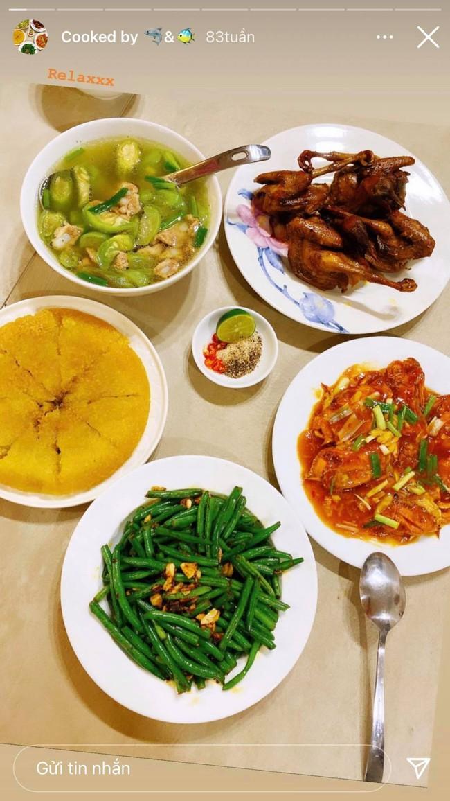Cô vợ hoa hậu Nguyễn Thu Trang trổ tài nấu ăn cho Shark Hưng, chỉ canh rau cà muối mà vẫn thơm ngon, hấp dẫn thế này! - Ảnh 2.