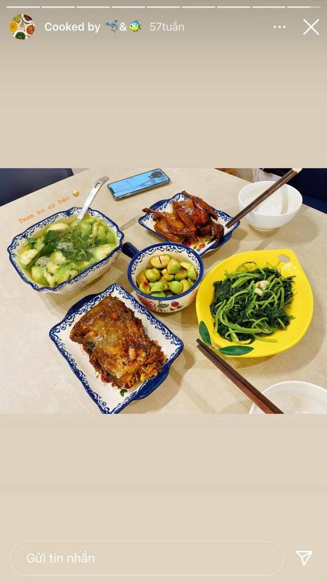 Cô vợ hoa hậu Nguyễn Thu Trang trổ tài nấu ăn cho Shark Hưng, chỉ canh rau cà muối mà vẫn thơm ngon, hấp dẫn thế này! - Ảnh 3.
