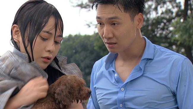 """Mạnh Trường chê Phương Oanh người như khúc giò nhưng cũng muối mặt vì lộ bụng bia trong """"Hương vị tình thân"""" - Ảnh 1."""