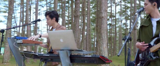 K-ICM tung ca khúc thứ 3 trong năm, lại còn kết hợp với trai đẹp nhóm MONSTAR - Ảnh 4.