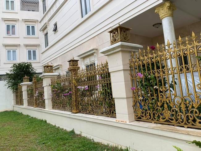khoe gia đình có hàng rào hoa lan siêu đẹp - Ảnh 4.