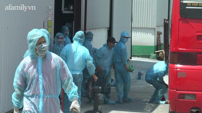 Công tác khử khuẩn tại công ty Sland