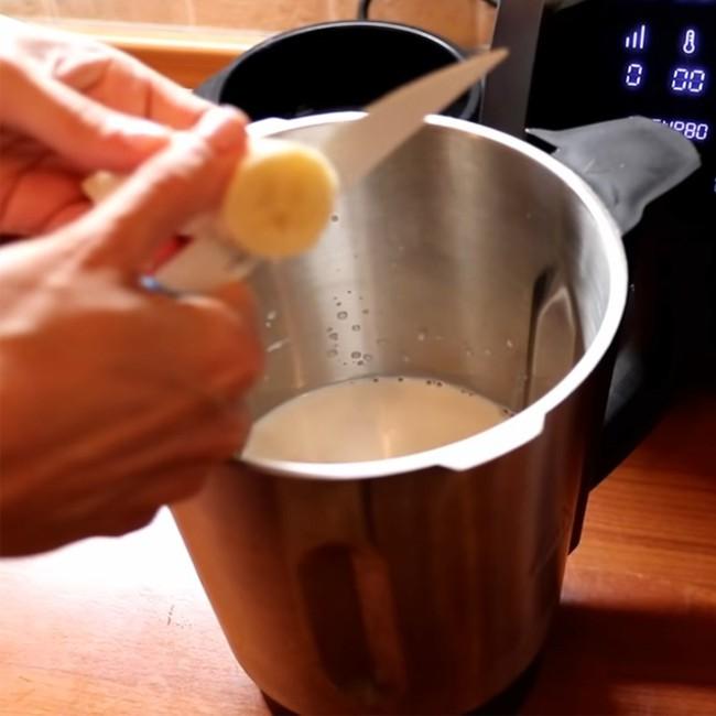 Hầu hết chị em đều chưa biết: Cách làm bánh chuối sữa không cần bột mỳ, thử xong có khi chị em sẽ chẳng bao giờ muốn ăn chuối như bình thường nữa! - Ảnh 4.