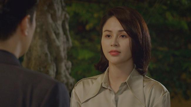 Hướng dương ngược nắng: Được mẹ Cami thức tỉnh, Minh chủ động đến nhà Hoàng lúc nửa đêm, biểu cảm tố cáo thuyền tình sắp cập bến - Ảnh 3.