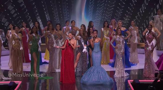 Bán kết Hoa hậu Hoàn vũ 2020: Khánh Vân kết màn cực đỉnh với những cú tung váy thần thái, thí sinh Indonesia lộ miếng độn ngực trước máy quay - Ảnh 19.
